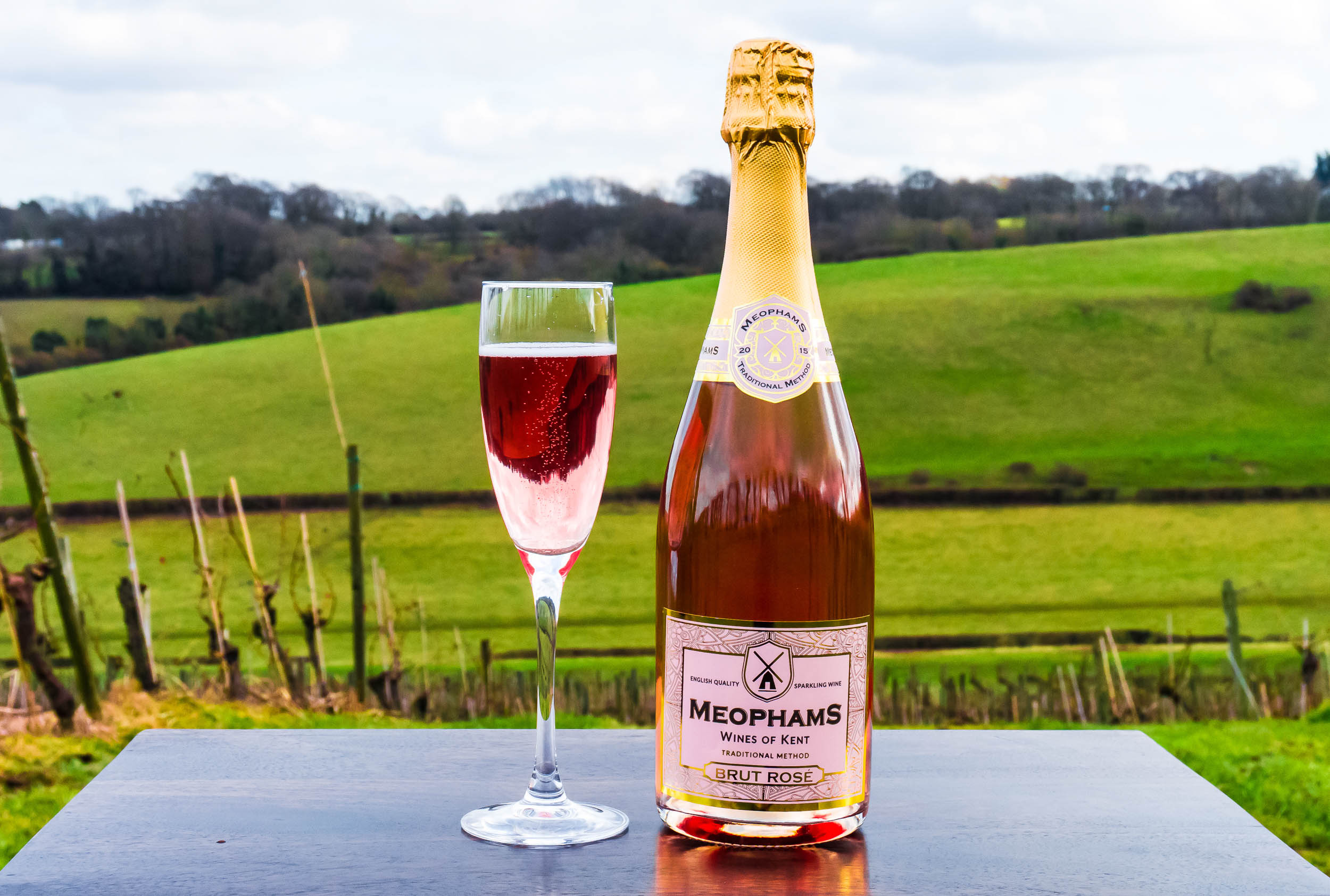 Meophams-English- Sparkling-Brut-Rose-1