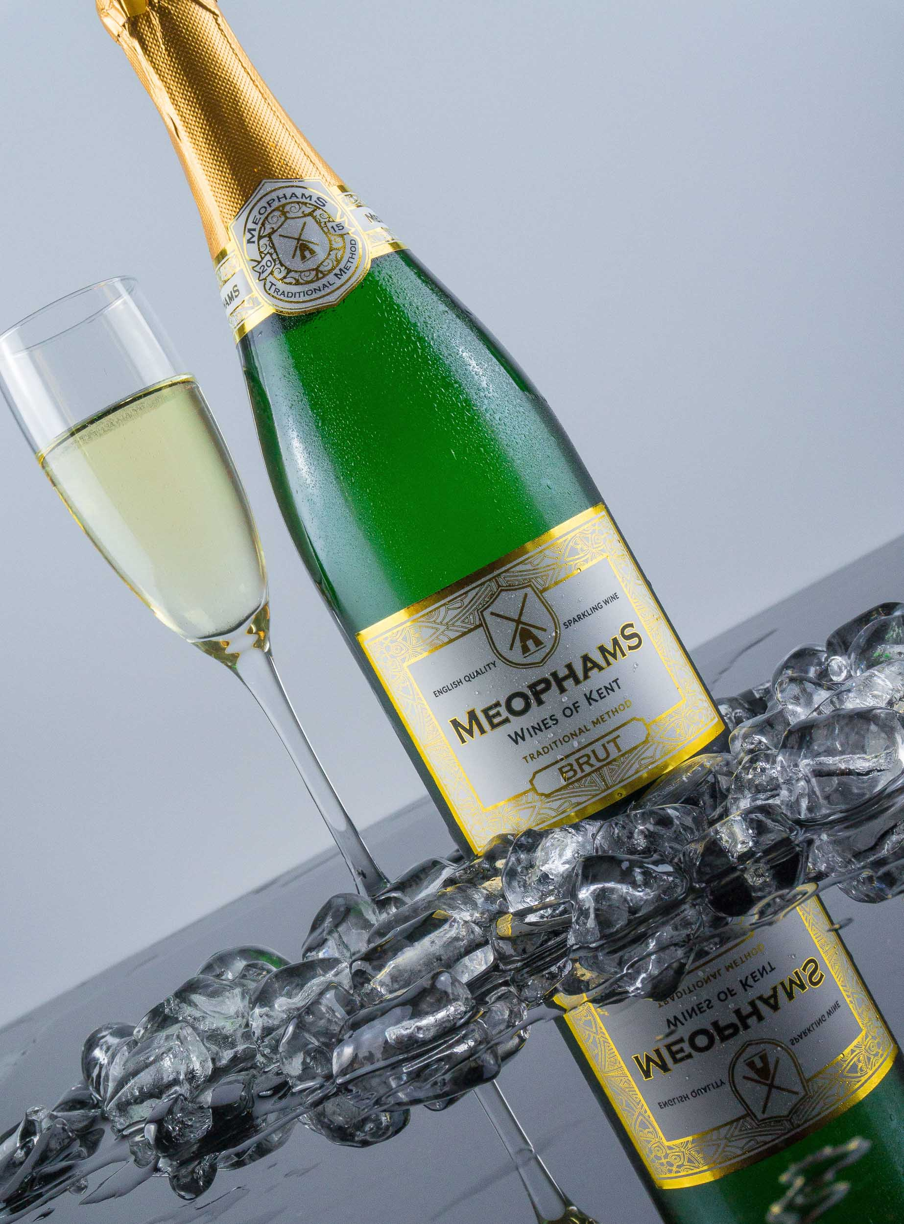 Meophams-Brut-English-Sparkling-Wine-3